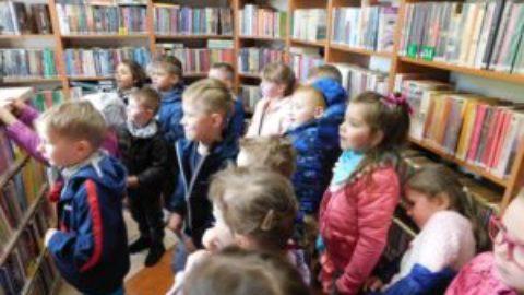 Odwiedziny przedszkolaków w bibliotece